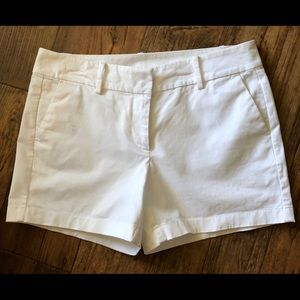 Ann Taylor City Short   Size 6